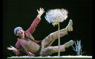 Au théâtre La Criée spectacle de Marcello Chiarenza, Le petit pucet